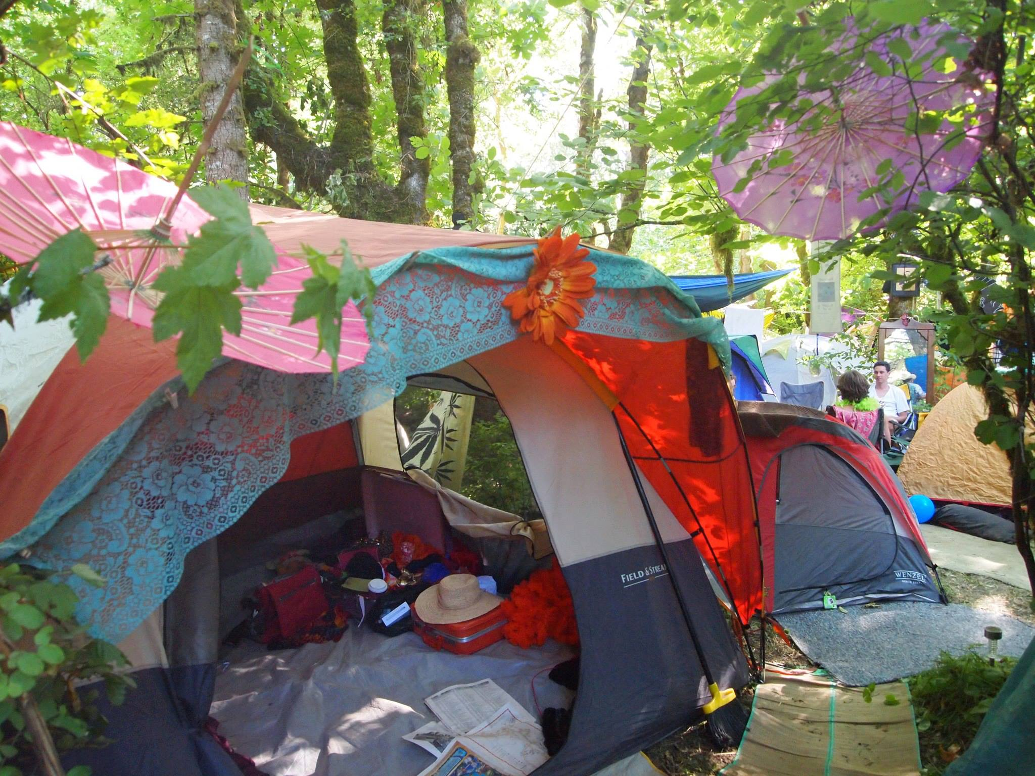 Festival Glamping Glamped Out